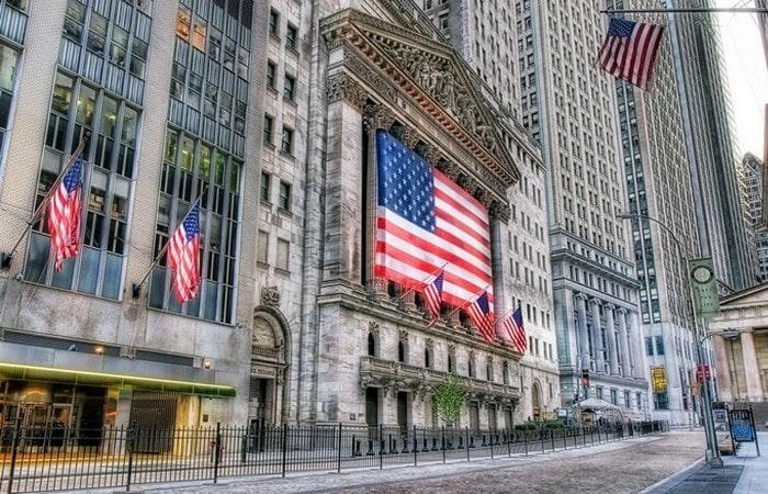 Уолл-стрит и падение акций