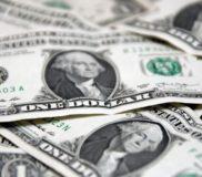 Райффайзенбанк допустил значительный рост курса доллара – более 70 рублей
