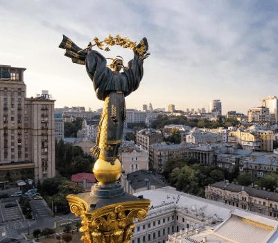 Команда Форекс-рейтинга Hi-FX посетила Саммит трейдеров в Киеве