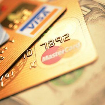 Центробанк уведомил банки о возможном отключении от Mastercard и Visa