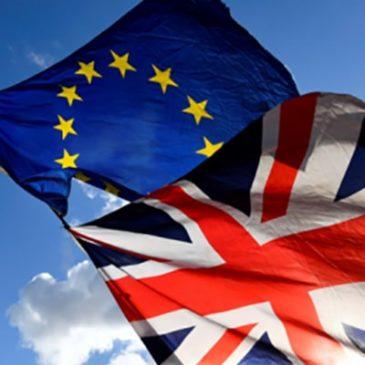 Доллар растет на фоне замешательства по Brexit