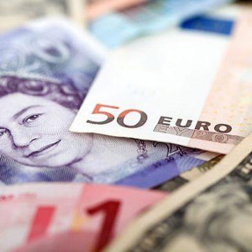 Фунт дорожает на фоне решения парламента Великобритании