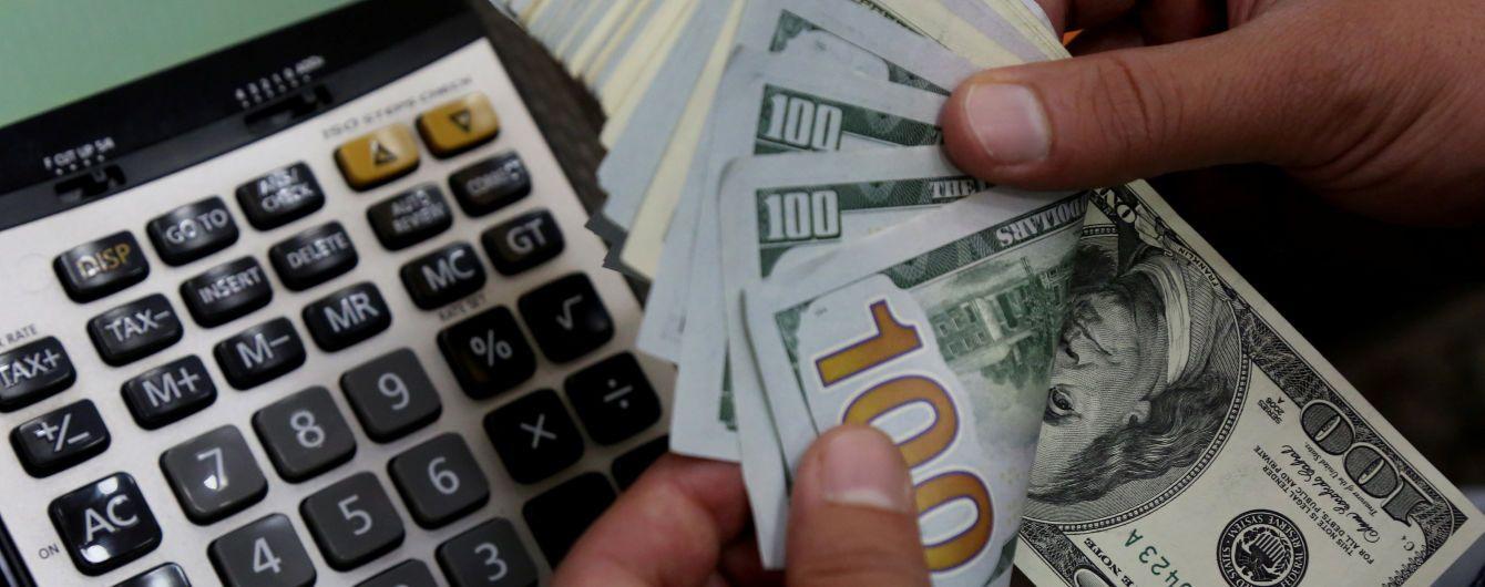 Валюты доллар и евро растут в цене