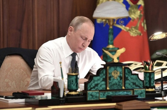 Путин подписал закон о Рунете