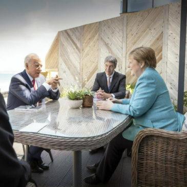 Меркель, Байден и нефть: политический торг уместен
